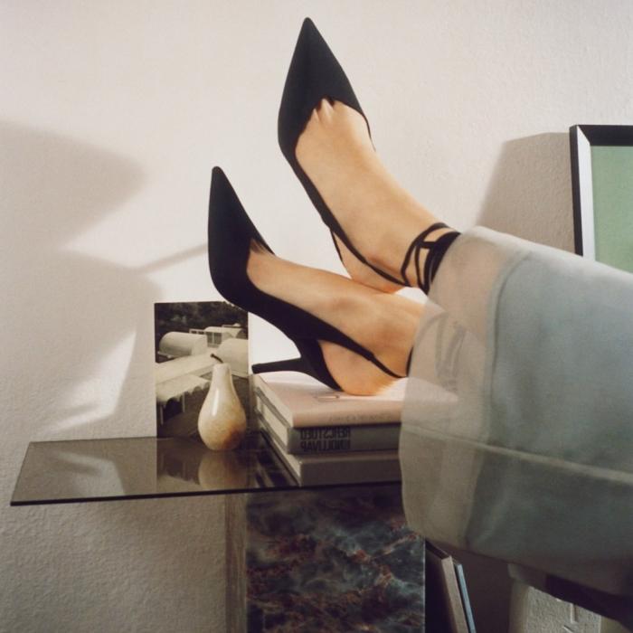 QUIZ: Modne combat boots, klasyczne szpilki czy eleganckie botki? Sprawdź, jaki model butów powinnaś wybrać w tym sezonie