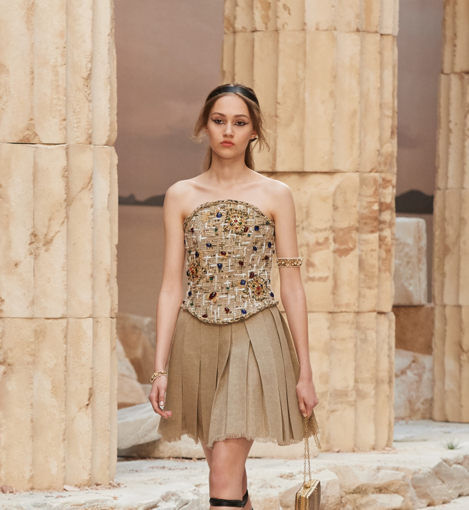 Chanel Resort 2018 - gorset, spódnica - Chanel Cruise 2018