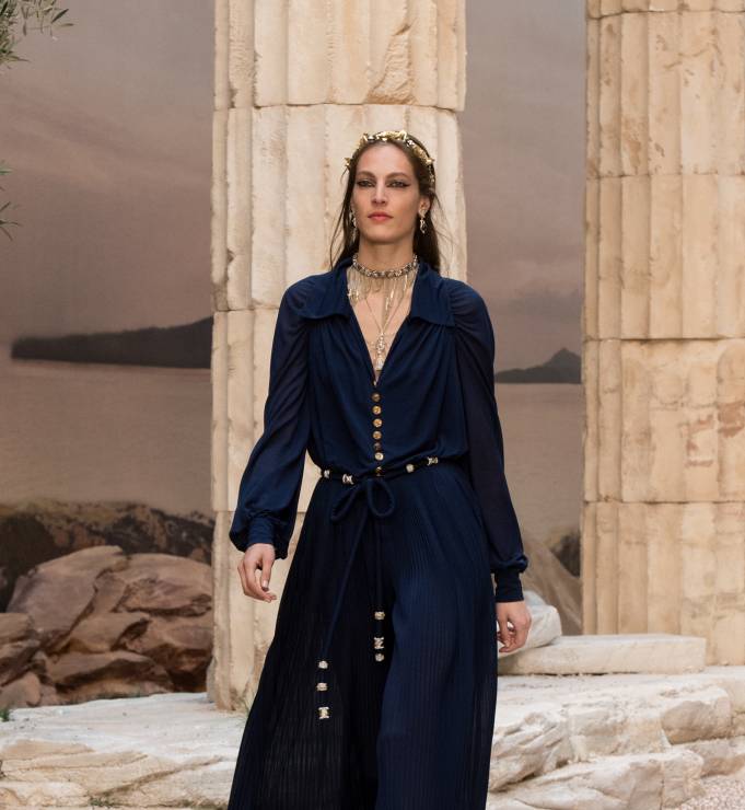 Chanel Resort 2018 - granatowa sukienka - Chanel Cruise 2018