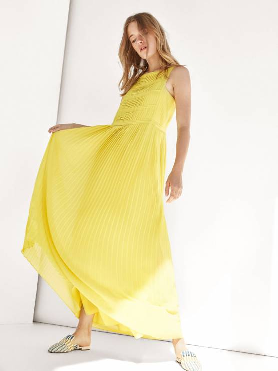 e066ca01 Sukienka z plisowanym dołem, Massimo Dutti , 449 zł - Co założyć na ...