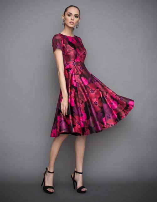 a87a22a772 Sukienka rozkloszowana we wzory - Rozkloszowane sukienki