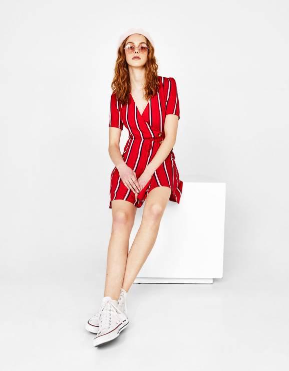 f018d751b6 Sukienka Bershka - 10 najpiękniejszych sukienek z sieciówek na wiosnę 2018