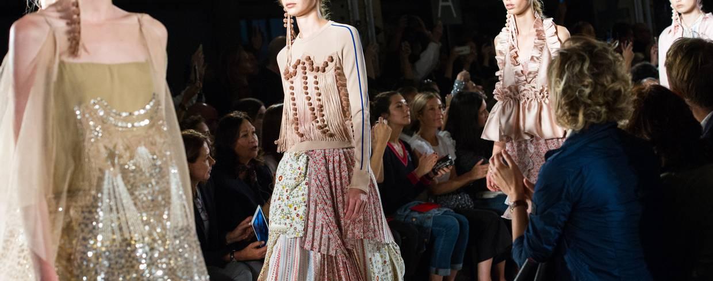 f9531de70d sukienki na wesele - Elle.pl - trendy wiosna lato 2019  moda
