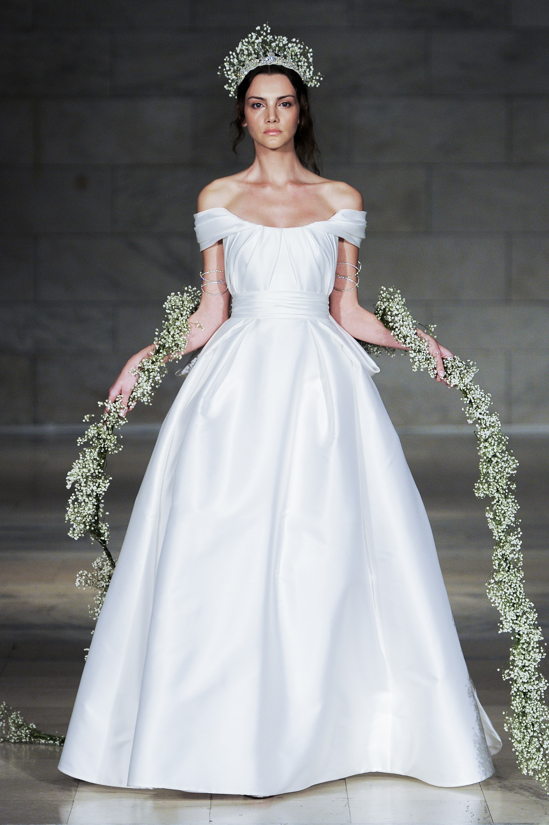 09246c2bb4 suknie ślubne 2018 - Elle.pl - trendy wiosna lato 2019  moda