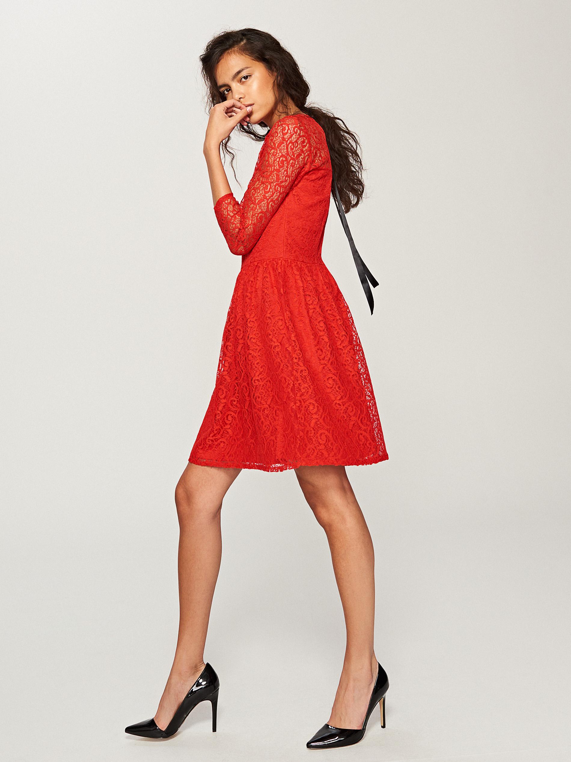 10 najpiękniejszych sukienek z sieciówek Elle.pl trendy