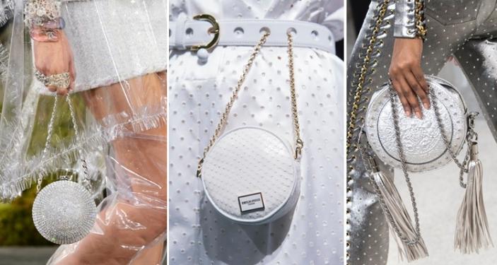 2117b94465948 Torebki-kule nosiły w rękach modelki na wybiegu Chanel. Karl Lagerfeld  niektóre ozdobił połyskującym logotypem