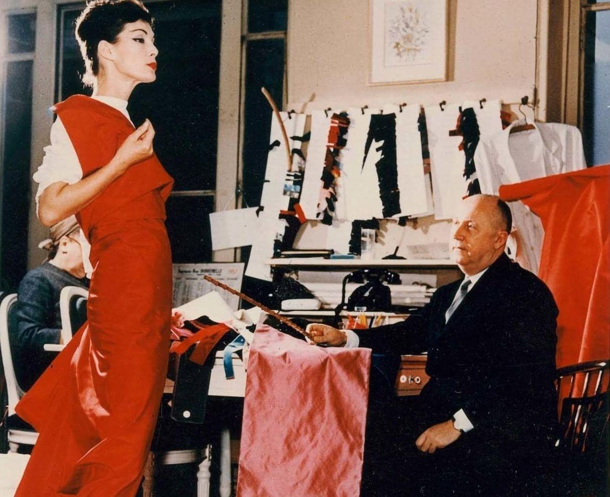 Znalezione obrazy dla zapytania elle 1947 dior