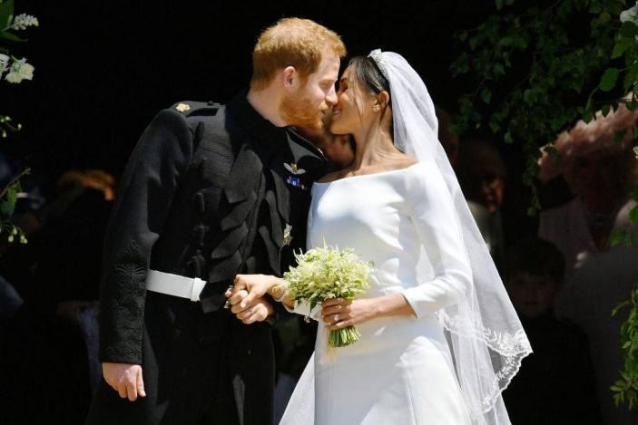 Suknie ślubne 2019 Trendy Elle Wedding Trendy Wiosna Lato 2019