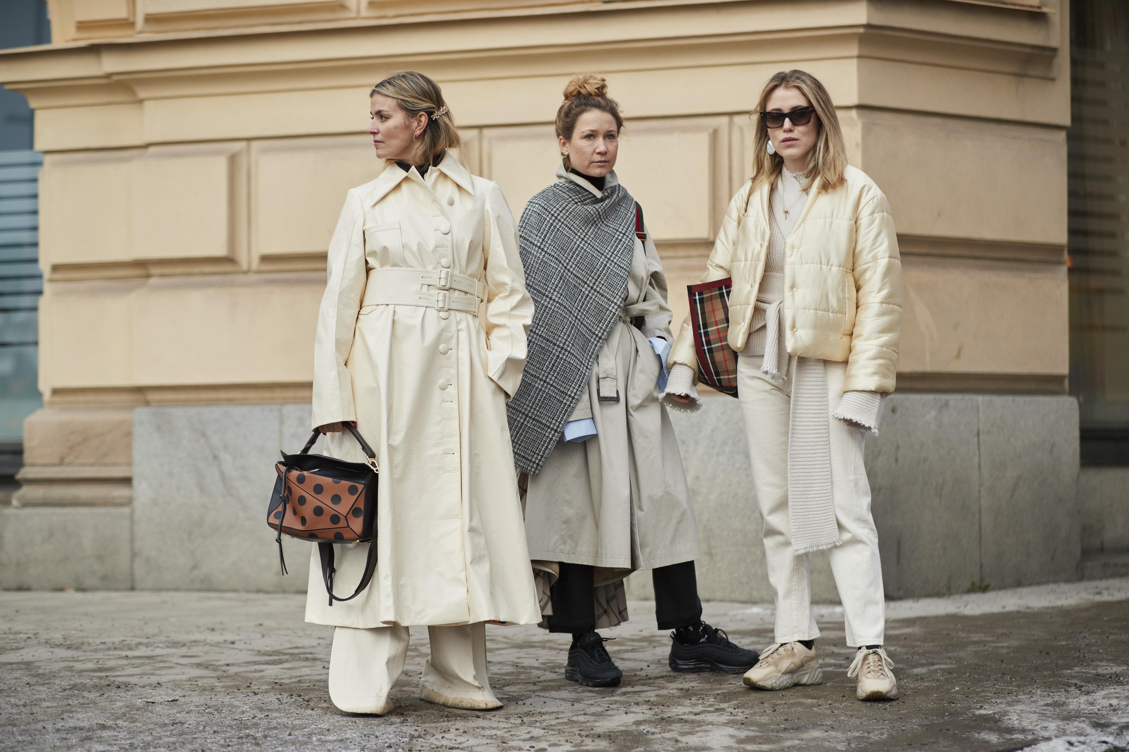 Modne ubrania z zimowych wyprzedaży, które będziemy nosić