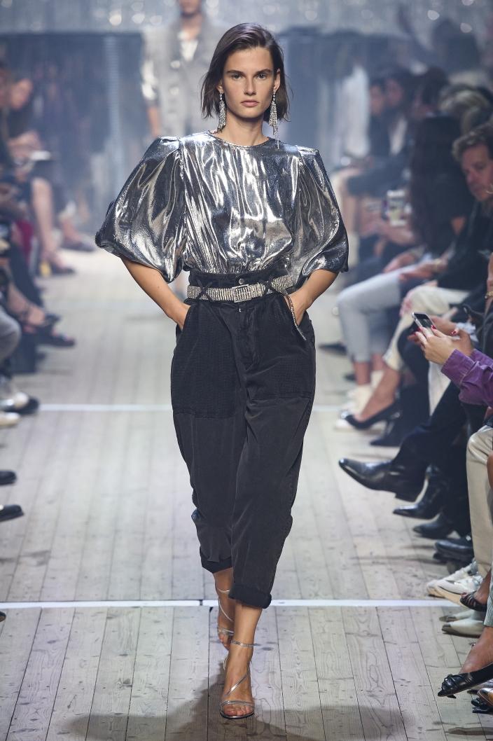 31665d4f15 Trendy wiosna-lato 2019  modne spodnie damskie - Elle.pl - trendy ...