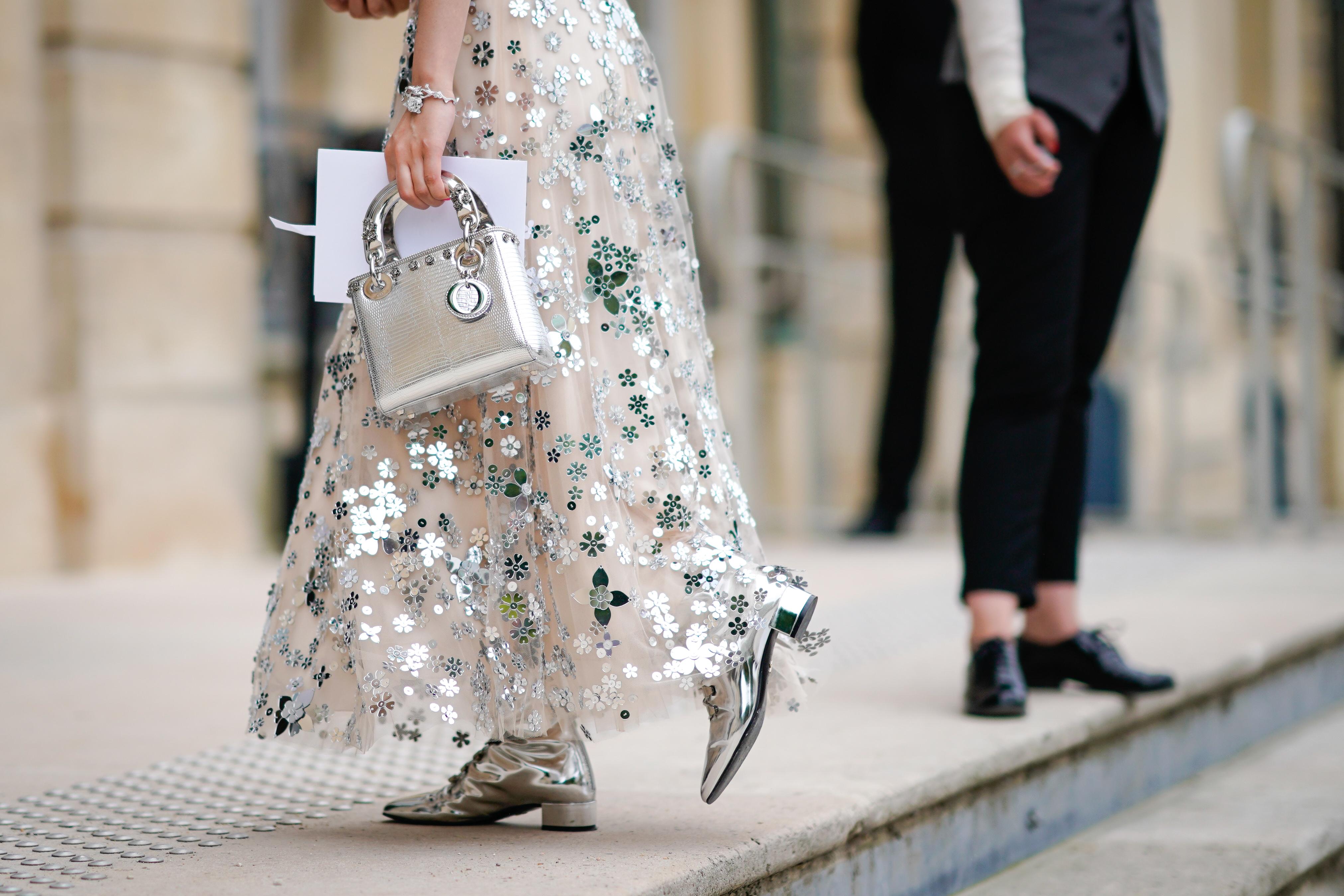 Jakie buty do sukienki w kwiaty? Najmodniejsze buty 2019
