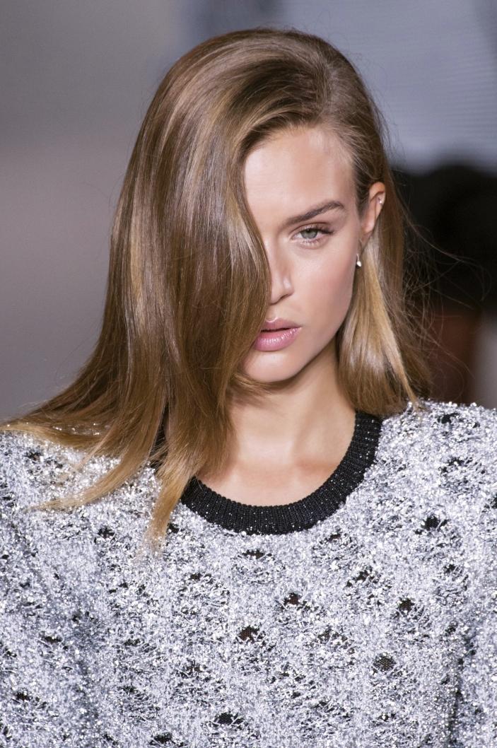Fryzury Z Prostych Włosów Ellepl Trendy Jesień Zima
