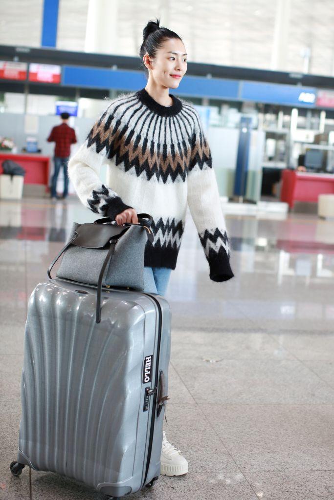 674bbce934f33 Modne torby i walizki podróżne w stylu gwiazd - Elle.pl - trendy ...