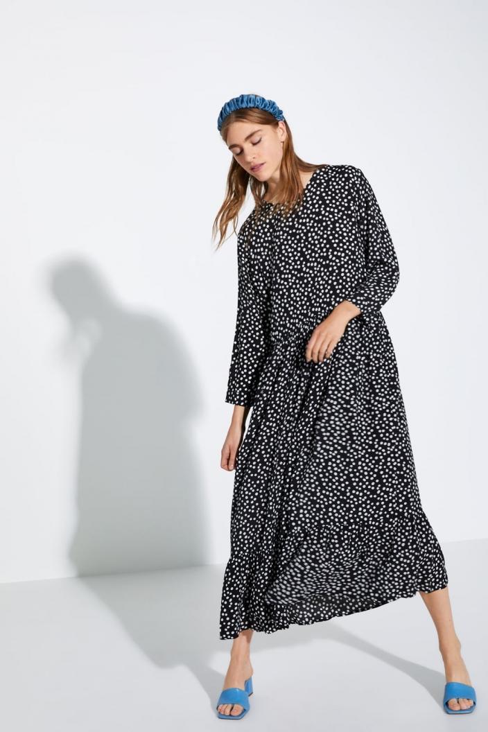 Ta sukienka z Zary to światowy bestseller. Teraz kupicie ją