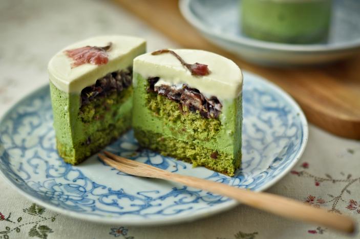Azjatyckie ciasto z kremem analnym